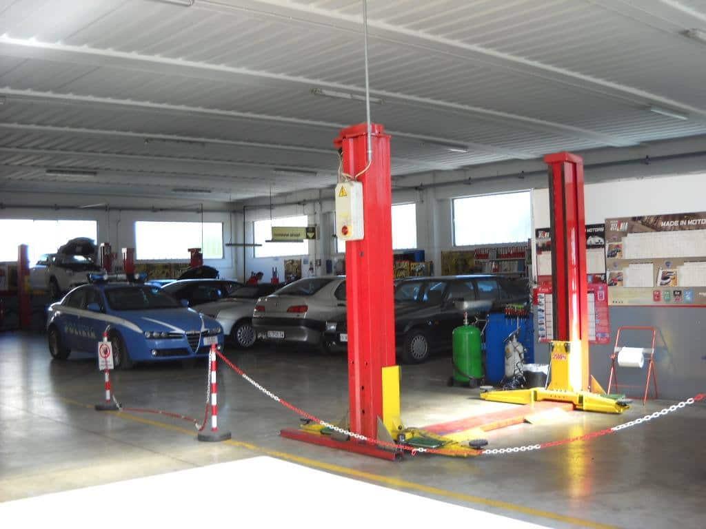09-Officina-meccanica-autorizzata-alfa-romeo-senigallia Galleria